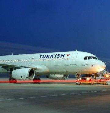 THY uçağı Mısır'a acil iniş yaptı